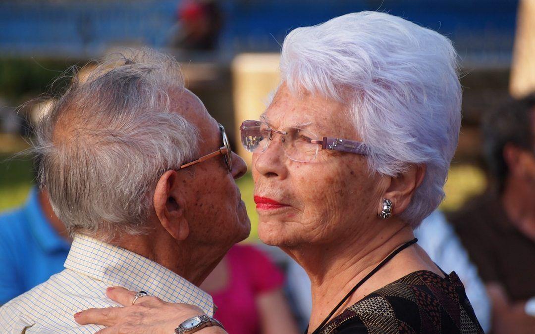 L'edat i la salut bucodental i cures